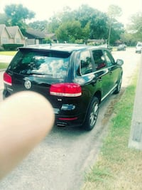 2006 Volkswagen Touareg v8 Houston, 77099