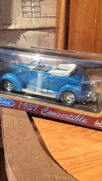 1937 blue Ford convertible die-cast scale model pack North Bellmore, 11710