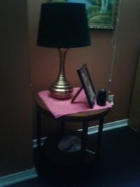 2 end tables with lamps Brampton, L6P 2M4