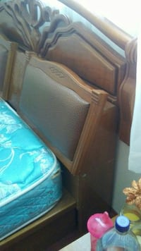 Double /Queen head board with 2 night table