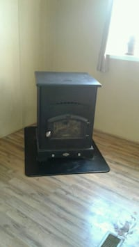 King Pellet stove used 2 seasons has no issues  heating 3br mobile hom Berryville, 22611