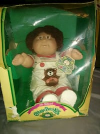 1985 Vintage Cabbage Patch Doll in box with all pa Edgewood, 21040