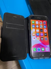 Good condition iPhone 7, 32GB, unlocked Black, used, 100% working tempered glass, free case Toronto