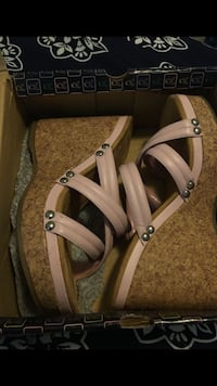 pair of brown leather sandals Sylmar, 91342