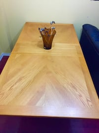 Solid pine wood dining table (brand new condition)