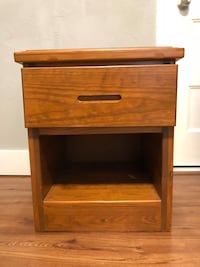 brown wooden single-drawer end table 1126 mi
