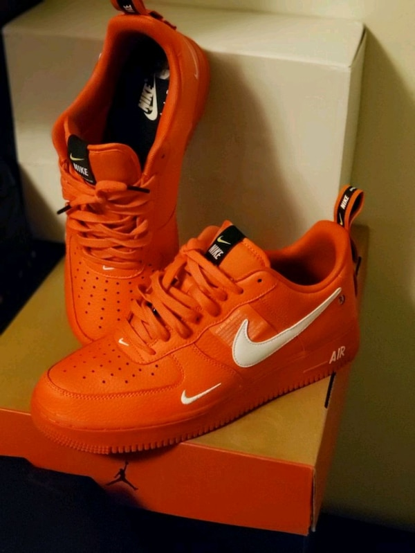 Red Overbranding NIKE AF1 size 10 246c52ee-1462-46f4-a5e8-05aa98011f99