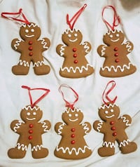 Christmas tin, gingerbread people ornaments, tree  Newark, 43055