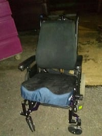 Wheelchair w/leg rests 43 km