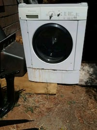 white front-load clothes washer Fallbrook, 92028