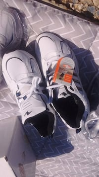 New with tags mens size 11W Jackson