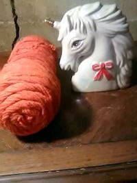 Yarn and statue Clear Brook, 22624