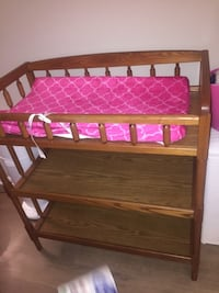 Changing table w/ changing pad and cover