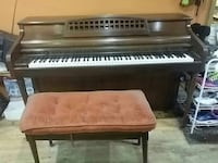 Used piano make offer in cottage grove letgo for Cottage grove yamaha