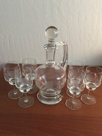 Crystal Wine Decanter and Wine Glasses