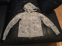 gray and white zip-up hoodie Toronto, M9V 4C3