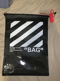 OFF WHITE SNEAKER BAG New Westminster, V3L 2A2