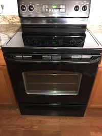 GE electric range top/oven (microwave oven no longer available) Detroit, 48201