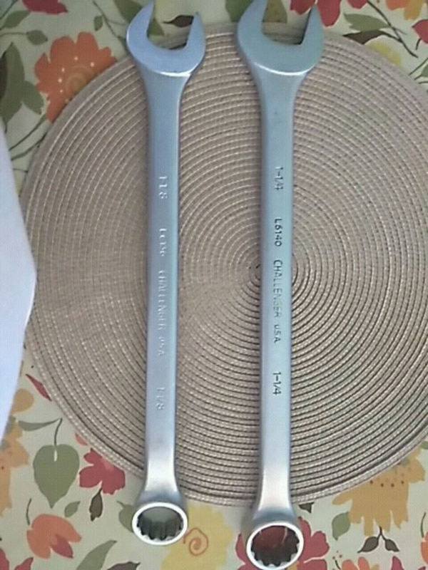 "Challenger combination wrench 1 1/4"" and 1 2/8"""