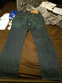 BEAUTIFUL BRAND NEW LEVIS RED TAB 514 Windsor