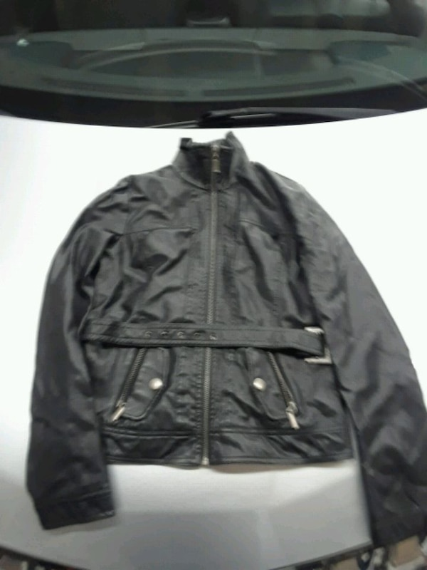 leather jacket mint condition $30 393b077e-4e27-4fa7-85d8-9ee3bc175bfd
