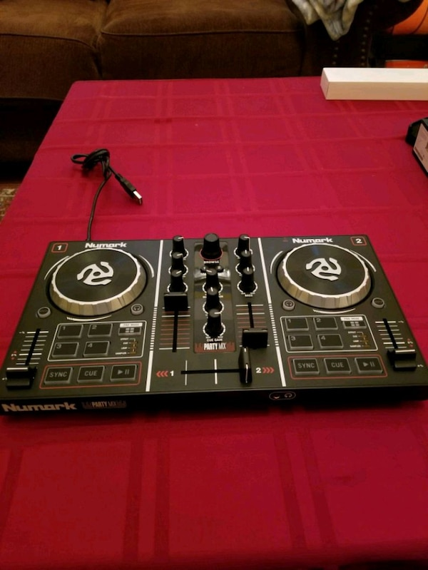 Numark Party Mix DJ Controller with Light Show