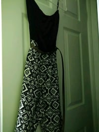 women's black and white sleeveless dress Mississauga, L5W 1X4