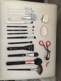 Essential makeup brushes Calgary