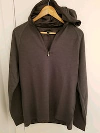 Banana Republic Men's hoodie in size Medium