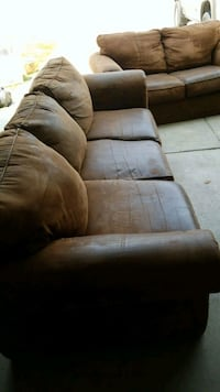 Couch & Loveseat Lincoln, 68526