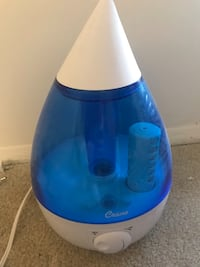 blue and white Vicks humidifier 费尔法克斯, 22031