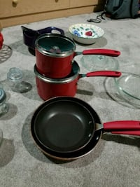 red and black ceramic dinnerware set Alexandria, 22309