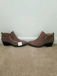 Ankle zipped boots brand new never worn Hagerstown