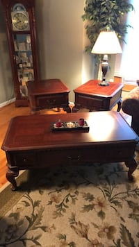 Broyhill Coffee Table & lamp tables Cherry Hill, 08003