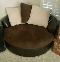 black and brown leather chair Victorville, 92392