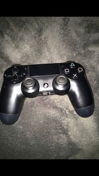 black Sony PS4 game controller Bakersfield, 93313