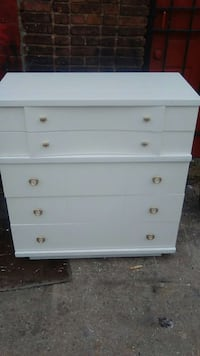Solid oak tall chest.  Baltimore, 21223