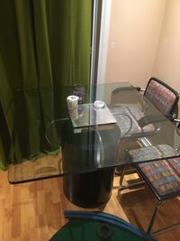 SQUARE GLASS TABLE Markham, L3P 6G5