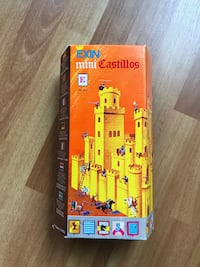 Vintage Block Castle Toy Set