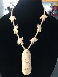 Ivory White and silver-colored necklace 2357 mi