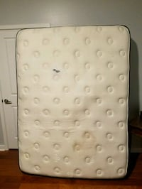 Comfortable queen mattress Tampa, 33602