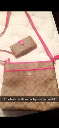 Excellent condition coach purse and wallet sold together Calgary, T1Y 1X7