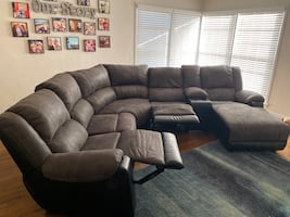 Ashley Furniture 6 piece Reclining Sectional Couch 12 months old!