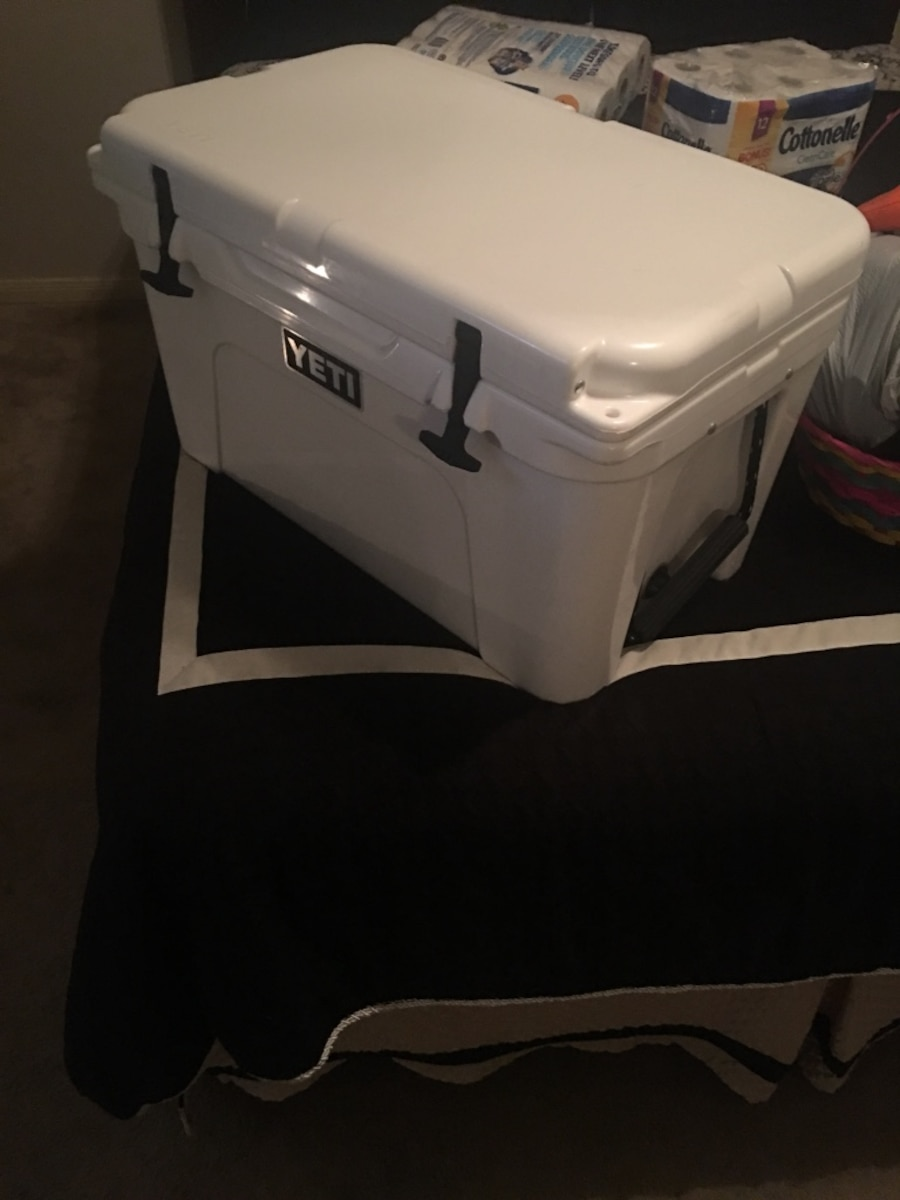Yeti 45 qt great condition  - Chapman Ranch