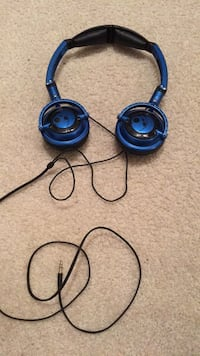 Skullcandy headphones  Surrey, V3Z