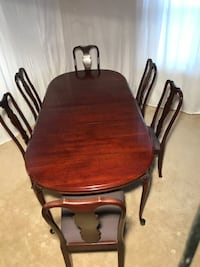 Solid Cherry Table and Chairs RESTON