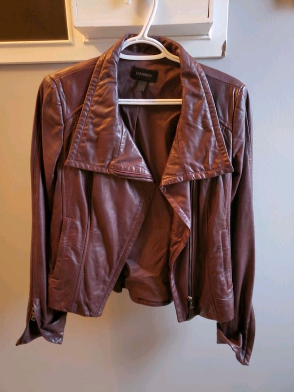Burgundy danier leather jacket 185f9cc7-689d-472c-b72f-11d1e74332a9
