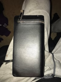 Curewe wallet perfect condition  Calgary, T2Z 4K3