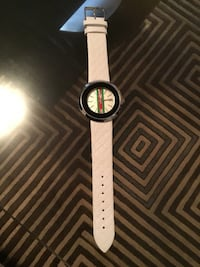 New white GUCCI watch (2 pics) Ottawa, K1T 0K4