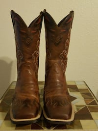 brown-and- red  Ariat deep-scallop square-toe mid- Terrebonne, 97760